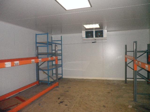 Chambre froide KIDE montée par Caen Froid 5 x 5 x 2,50 m environ,