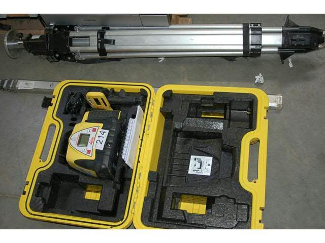 Niveau laser LEICA RUGBY 270 SG avec trépied et mire