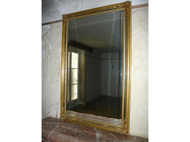 miroir de trumeau en bois dor pare closes style louis xvi. Black Bedroom Furniture Sets. Home Design Ideas