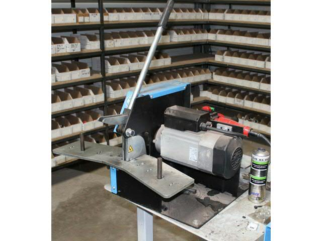 Vente enchere materiel garage automobile tracteur for Materiel pour garage automobile occasion