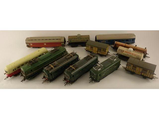 Train électrique JEP composé de deux motrices BB 8101 6069 L, une