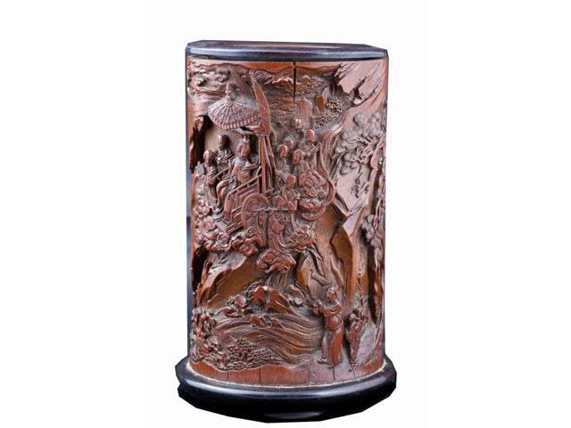 Porte-pinceaux « bitong » en bambou sculpté de Xiwangmu - la Reine