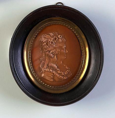 A vendre: miniatures de Marie Antoinette et de ses proches - Page 5 Aab772685406b8b04f8335a2231b94c64d34b121993a54cddcfb601fcdff4cd7