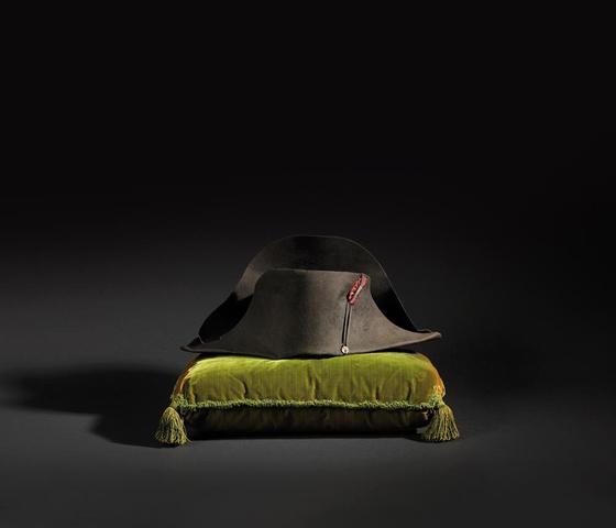 Légendaire Chapeau de l'Empereur Napoléon Ier, de forme traditionnelle
