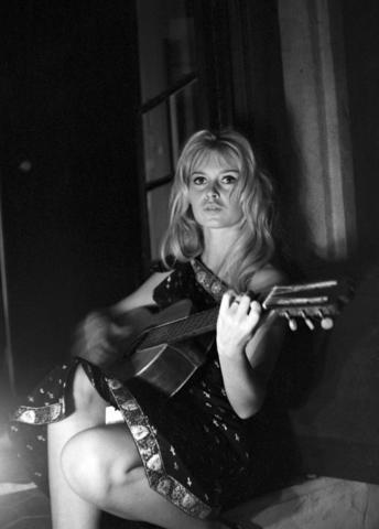 Bardot et Gainsbourg Brigitte Bardot et Serge Gainsbourg pour Comic